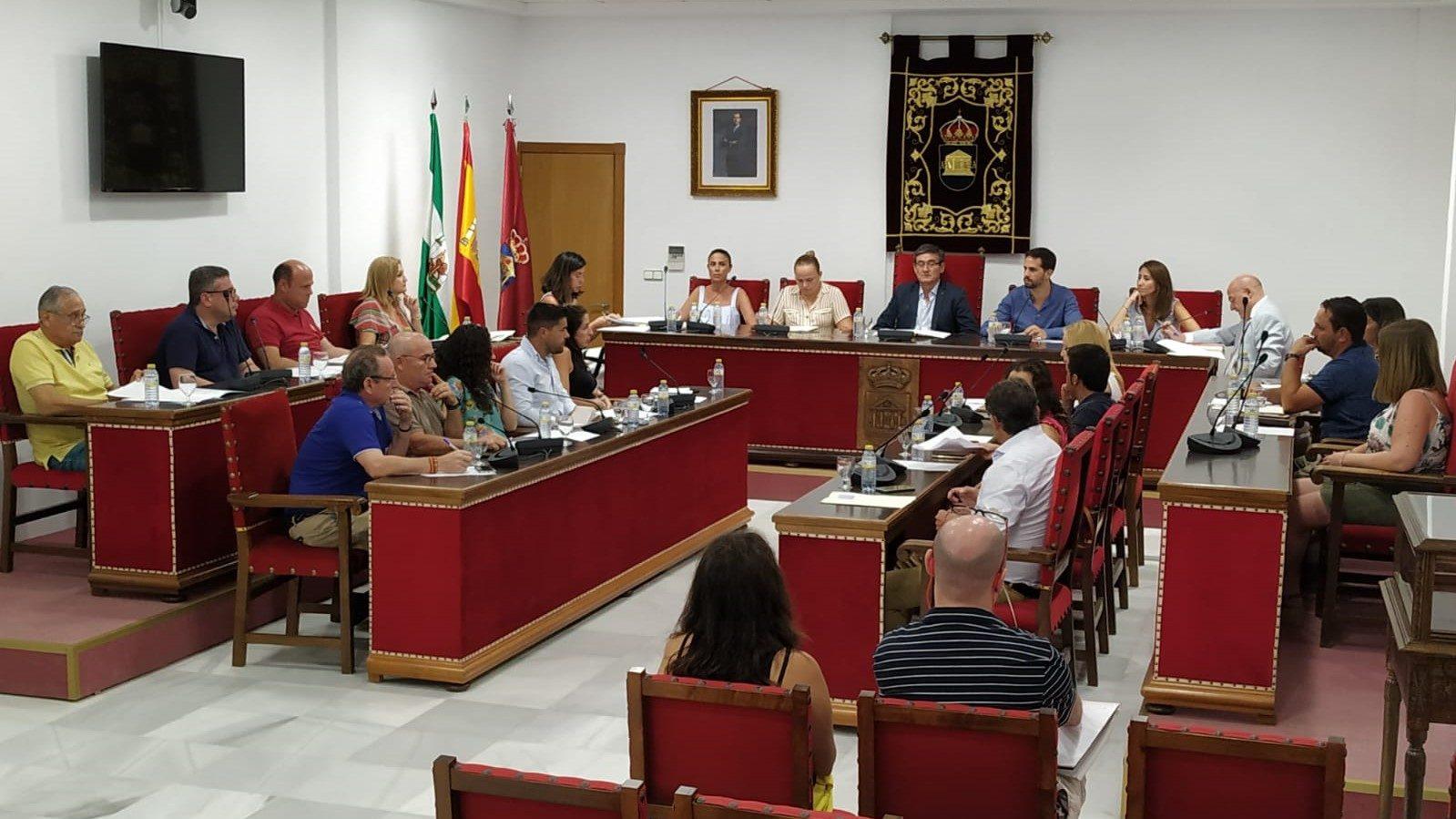 Photo of El Ayuntamiento de Adra solicita a la Junta que estudie habilitar una parcela de uso hotelero en el puerto