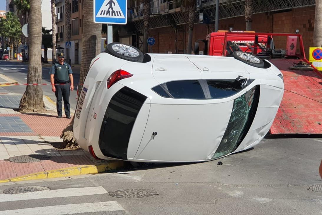 Photo of Dos vehículos accidentados en la Avenida Mediterráneo