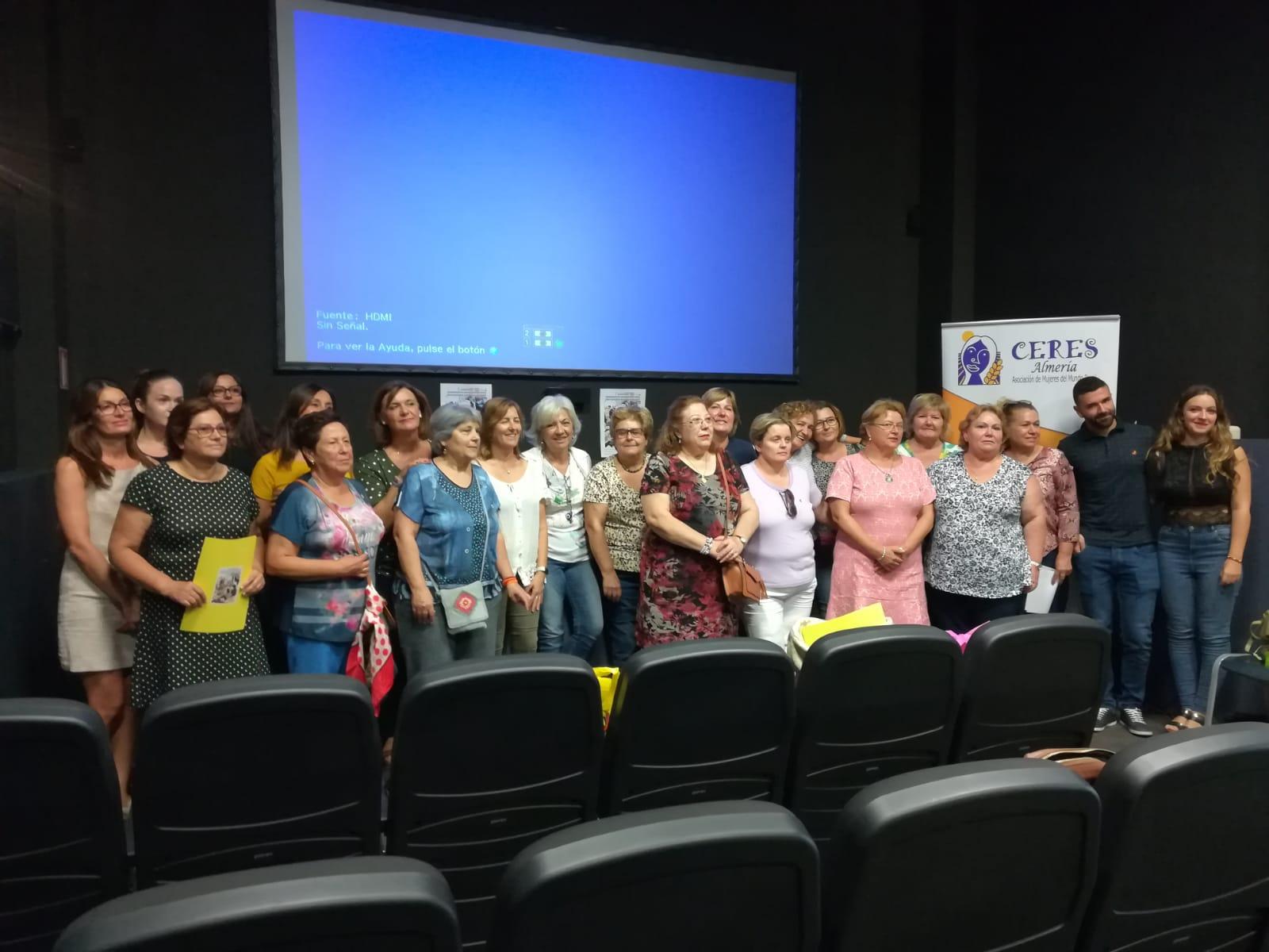 Photo of La Asociación de Mujeres del Medio Rural lleva a Adra una jornada de charlas, debate y visita a una explotación agrícola