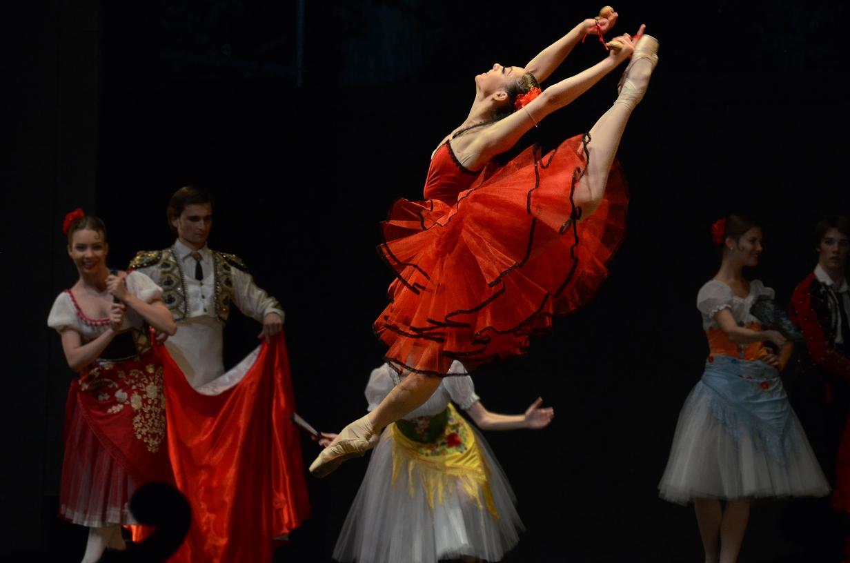 Photo of El Ballet de Moscú celebra su 30 aniversario sobre el escenario del Centro Cultural de Adra el 7 de diciembre