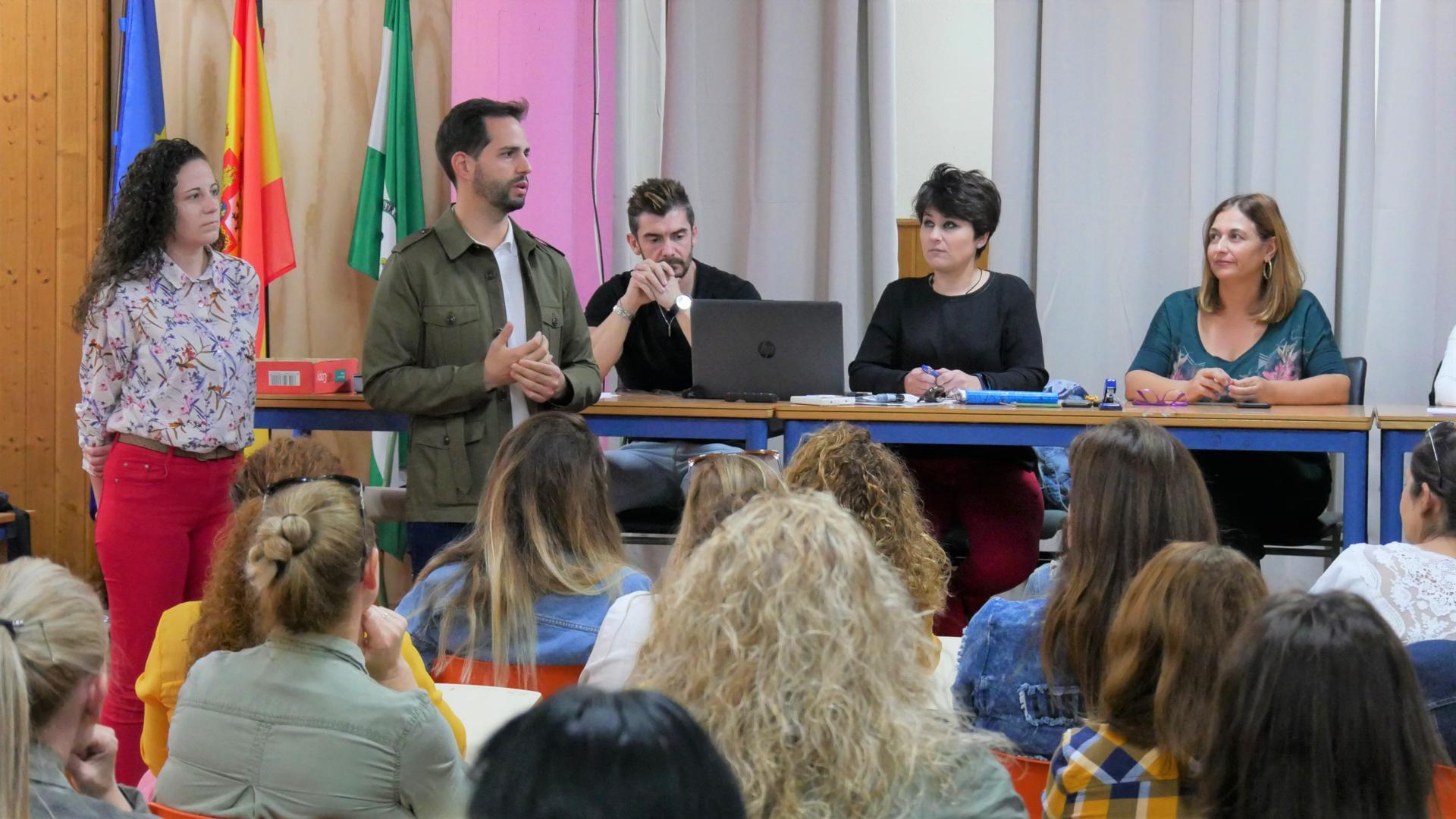 Photo of Iniciativa sobre sensibilización, control y prevención contra el absentismo escolar en la ciudad de Adra