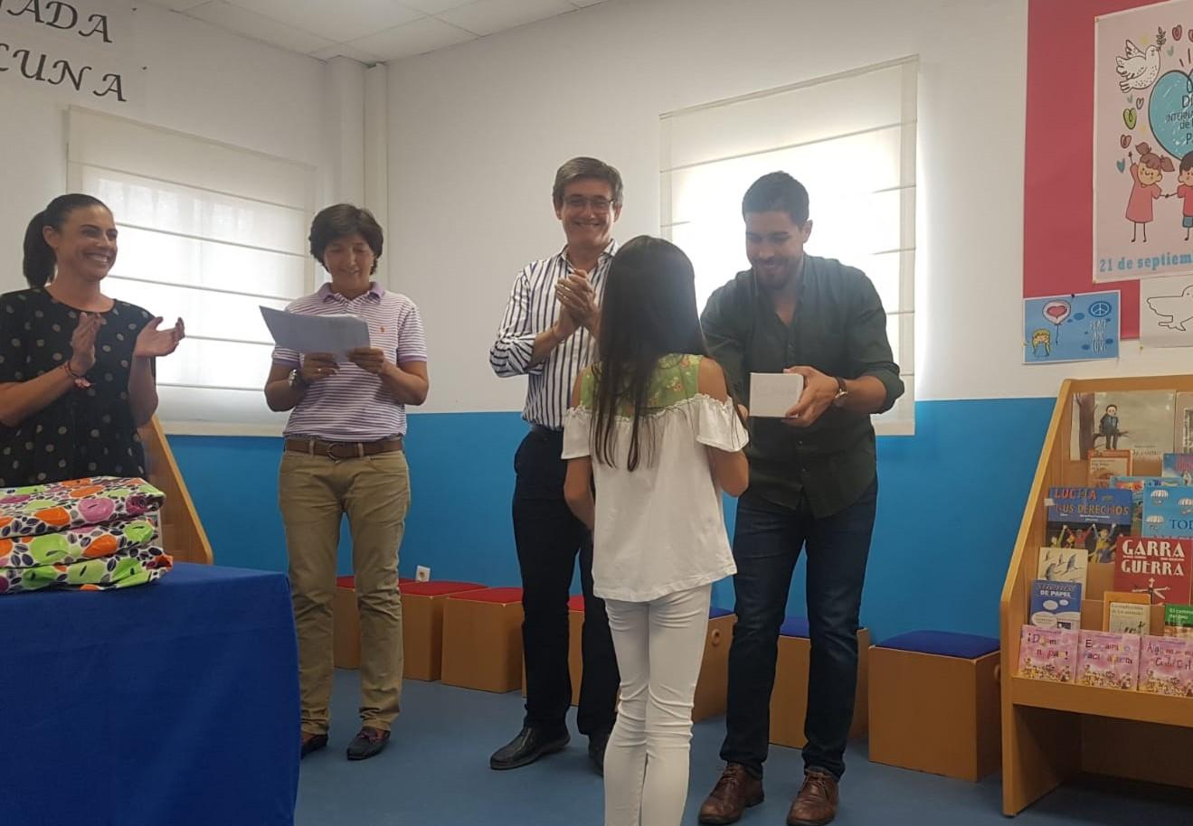 Photo of El Ayuntamiento de Adra celebra el Día Mundial de las Bibliotecas regalando un libro por cada préstamo realizado