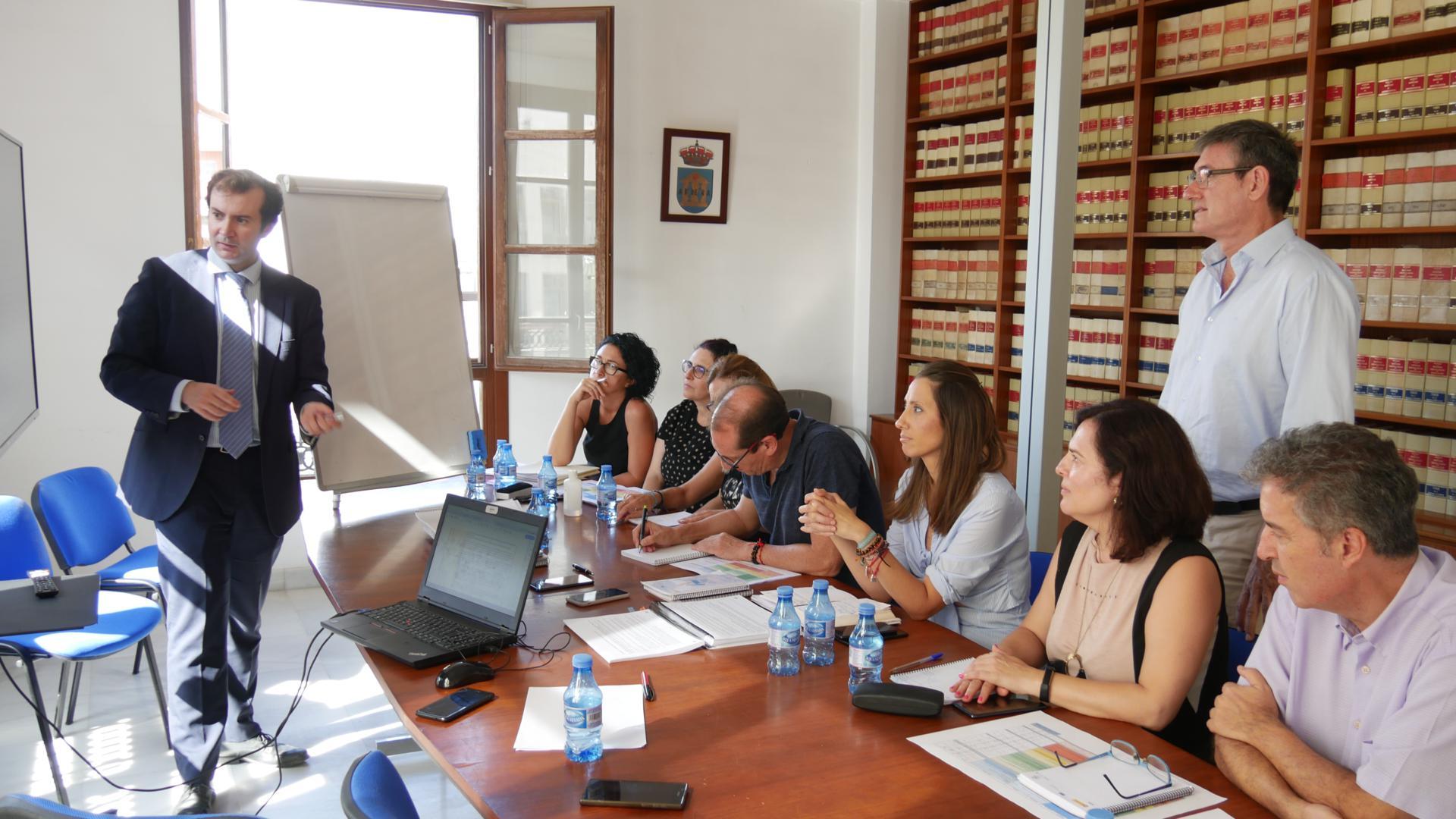 """Photo of El Ayuntamiento de Adra celebra una reunión con la unidad de gestión de la Estrategia Edusi con balance """"positivo"""""""