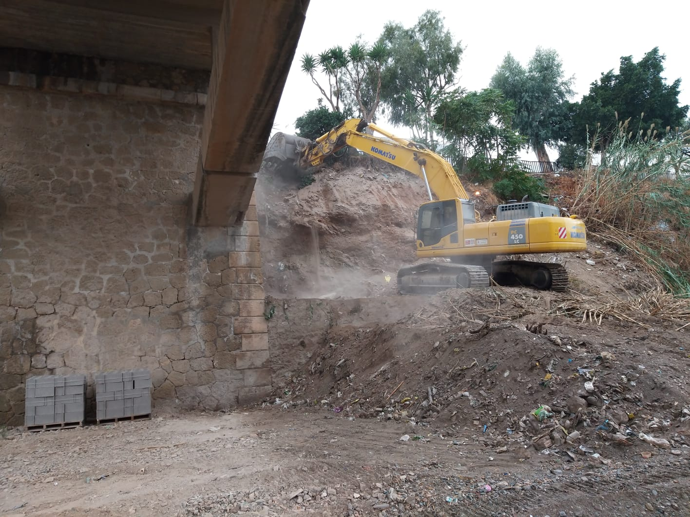 Photo of Manuel Cortés muestra su satisfacción por los trabajos previos a la ampliación del puente de Puente del Río