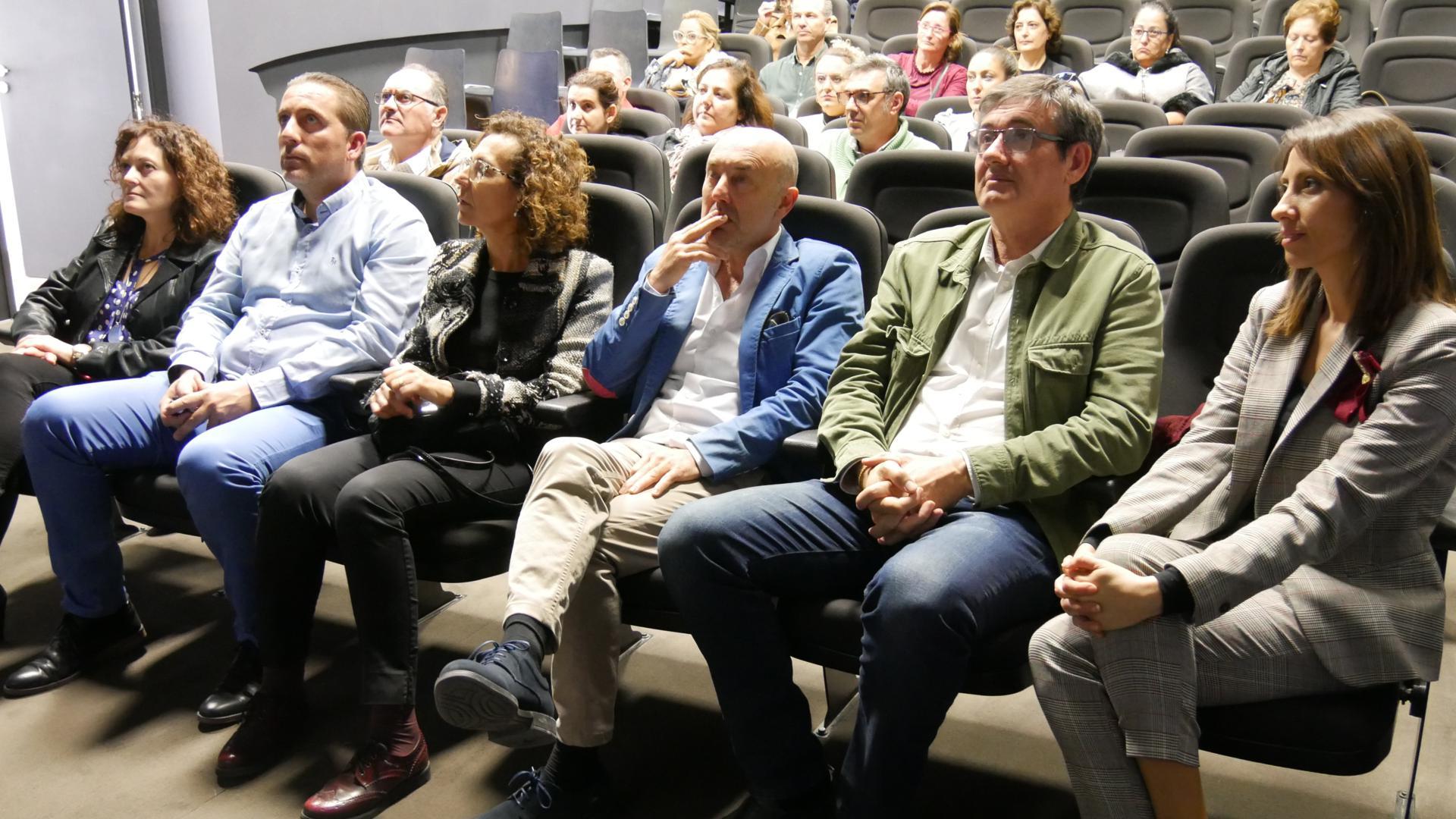 Photo of El comercio menor de Adra se modernizará gracias a una inversión superior a los 147.000 euros