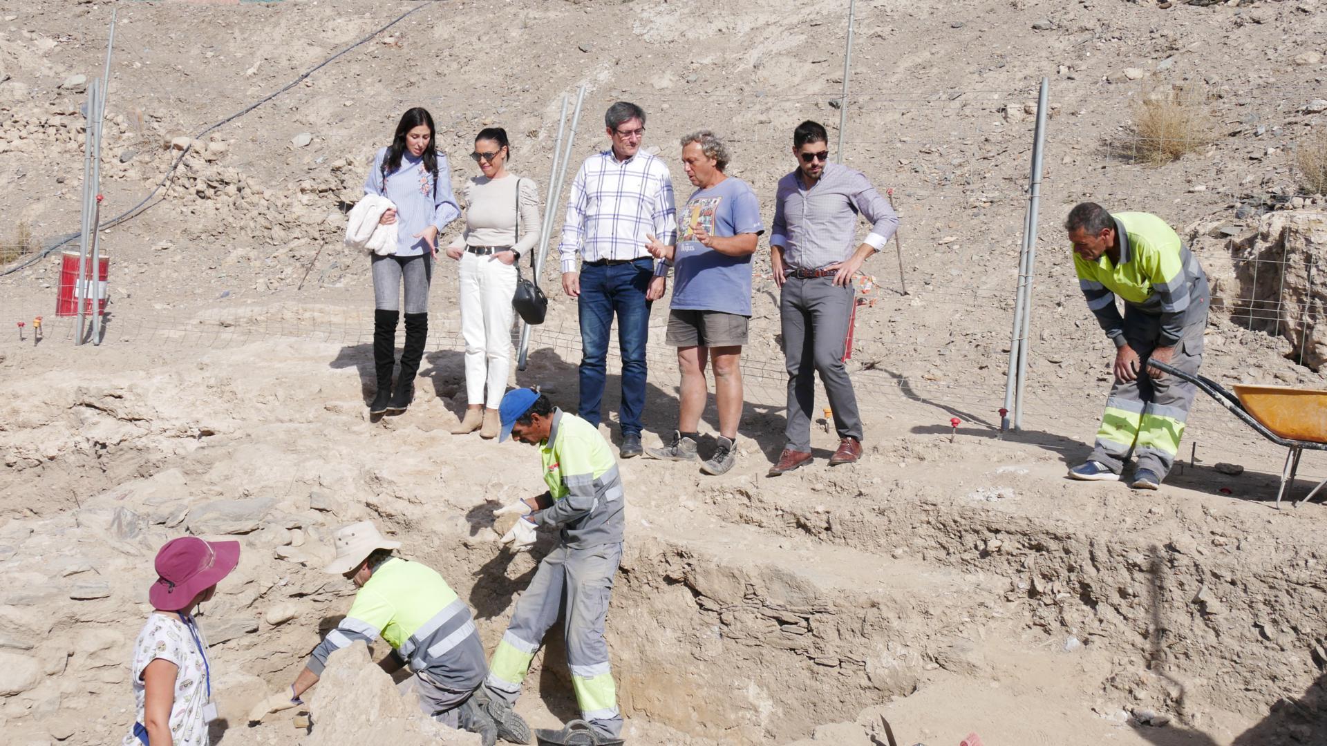 Photo of Las excavaciones en el Cerro de Montecristo descubren nuevas piletas de salazones y un horno