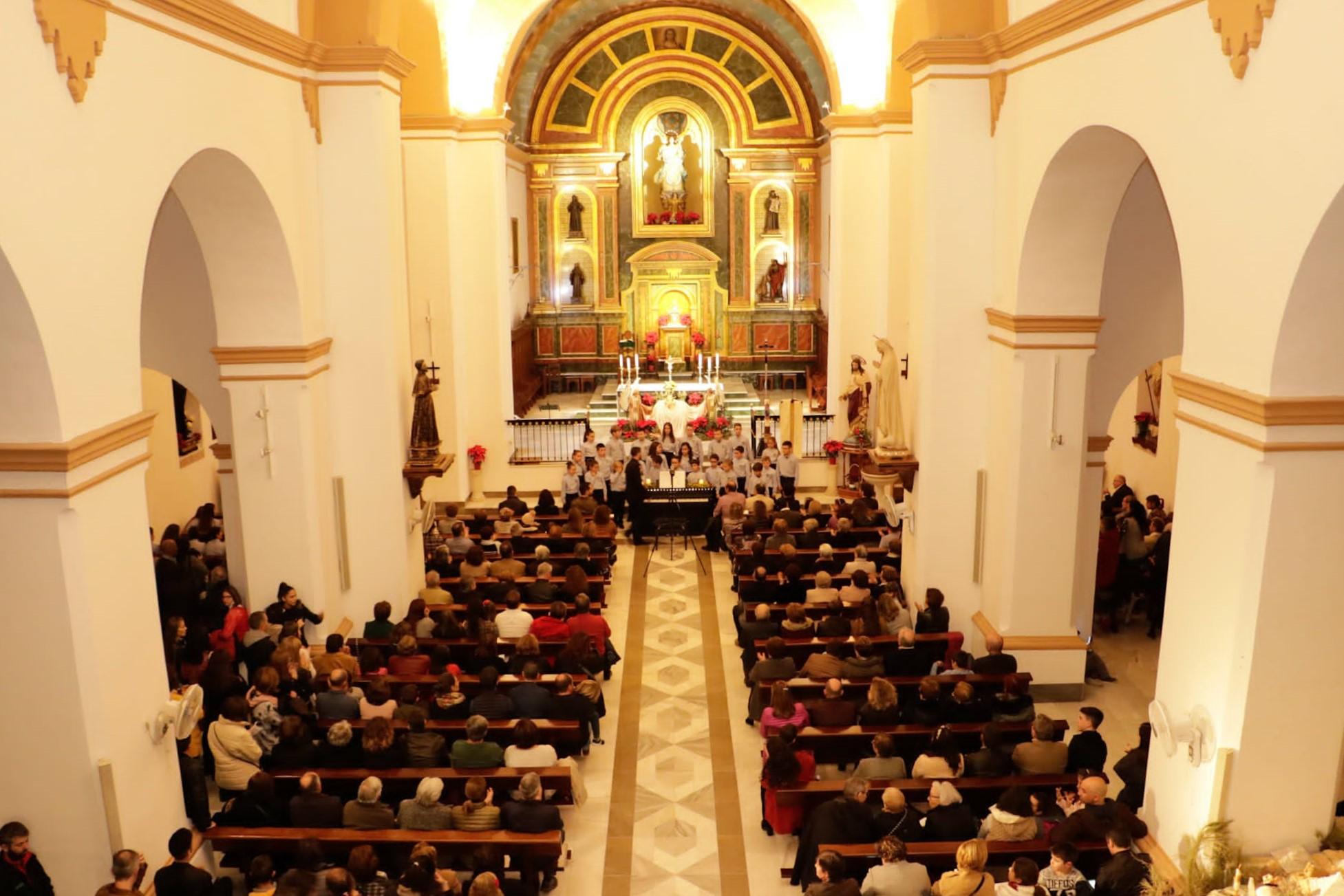 Photo of Las voces de los cantores de Pedro Mena resuenan en la Parroquia Inmaculada Concepción