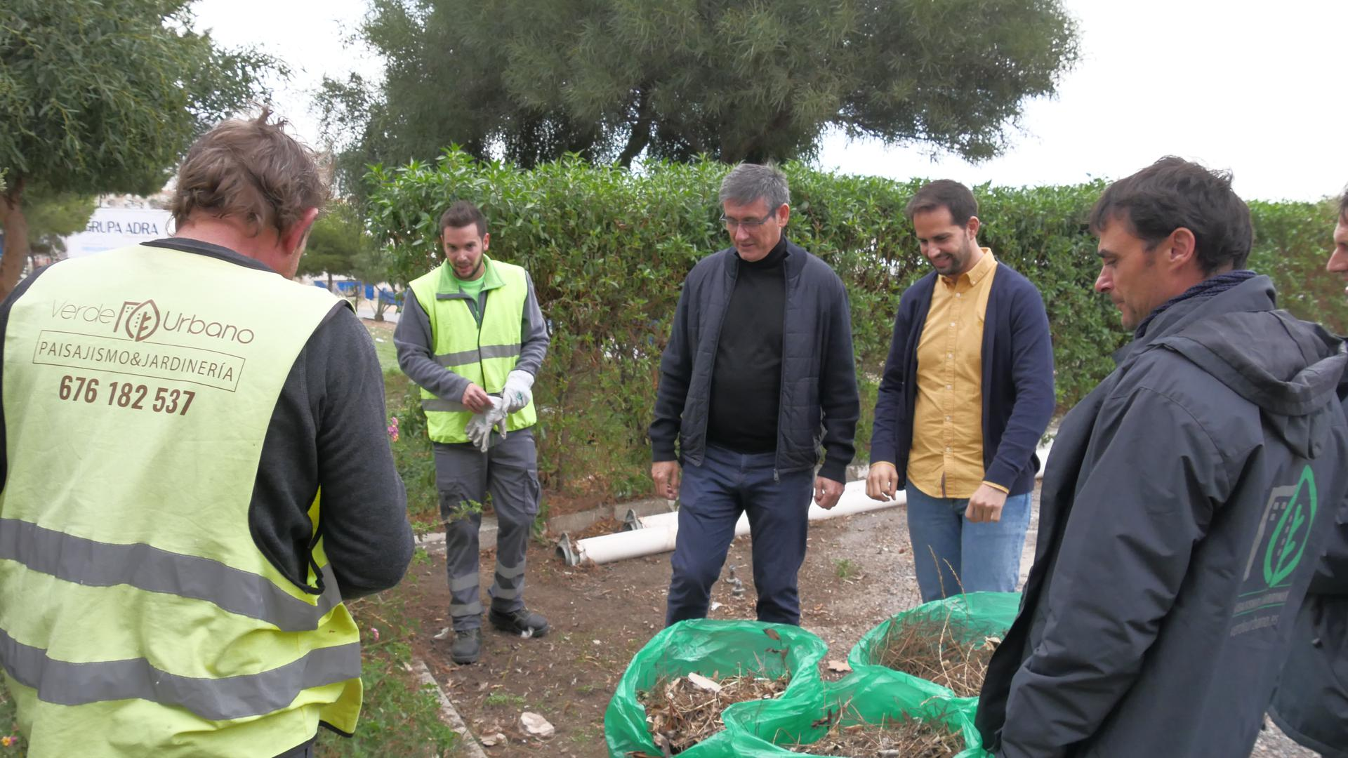 Photo of El plan de refuerzo de jardines y zonas verdes comienza en barriadas y centros escolares
