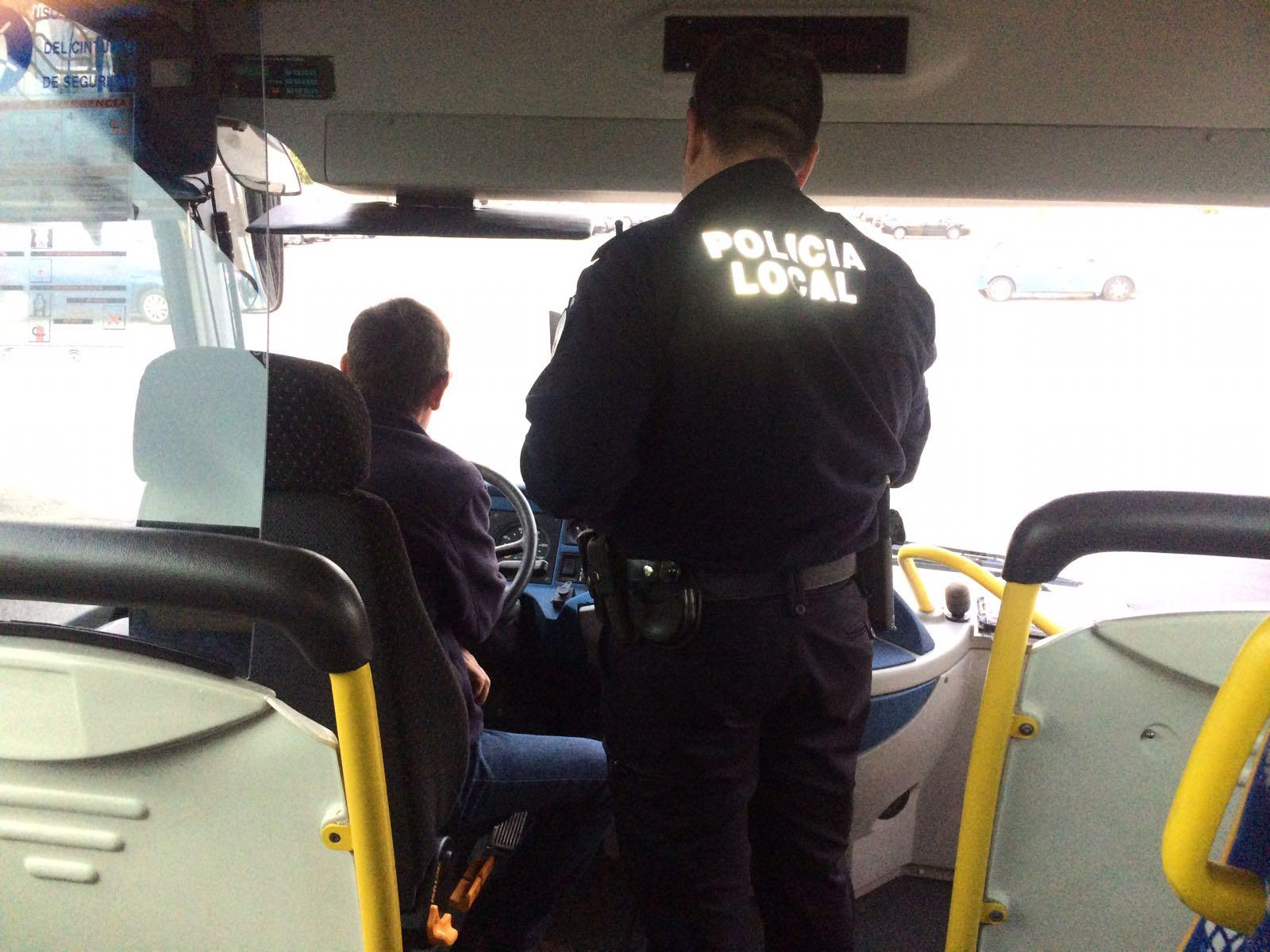 Photo of La Policía Local de Adra inicia una campaña de control del transporte escolar