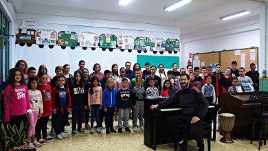 Photo of El himno de Andalucía suena en el Parlamento con las voces del Coro Infantil Pedro Mena de Adra
