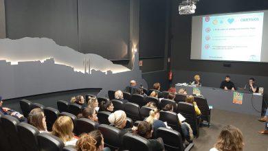Photo of Continúan los desayuno-coloquio de la 'Escuela de Familia' con la charla '¿Estoy haciendo buen uso de las nuevas tecnologías?'