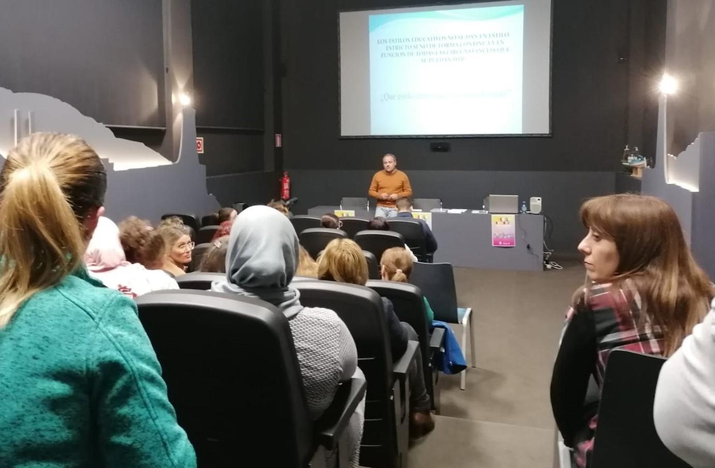 Photo of Éxito de participación en el primer desayuno-coloquio de la 'Escuela de Familia'