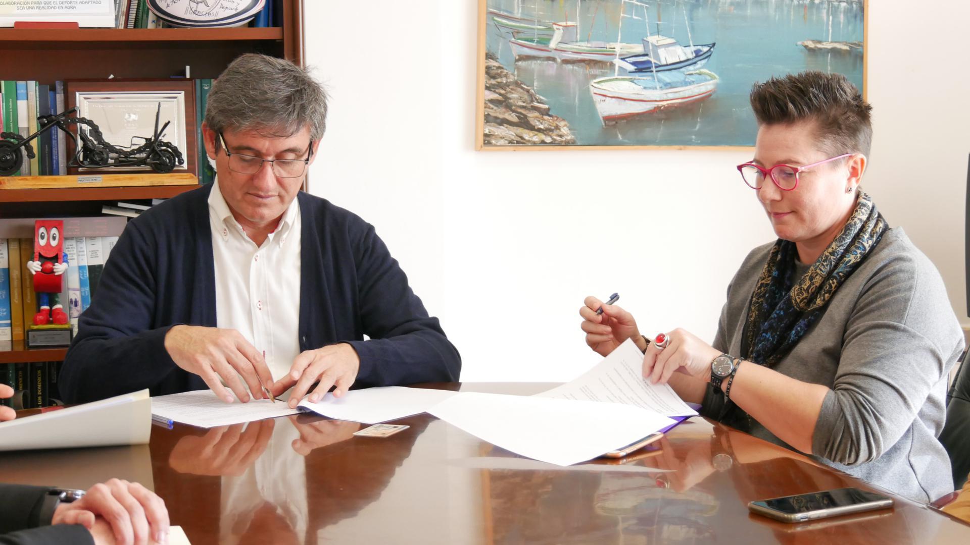 Photo of Adra impulsa planes para la cualificación del tejido asociativo y la mujer emprendedora