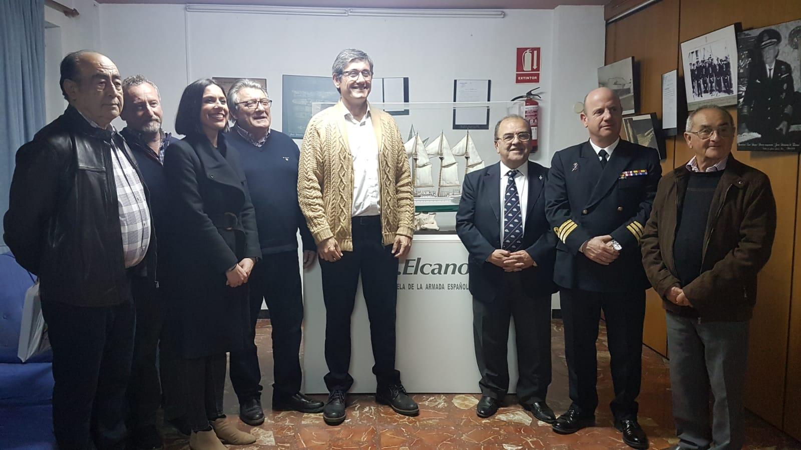 Photo of Inaugurada la exposición fotográfica 'Retrospectiva del Buque Escuela Juan Sebastián de Elcano' en el Club Náutico