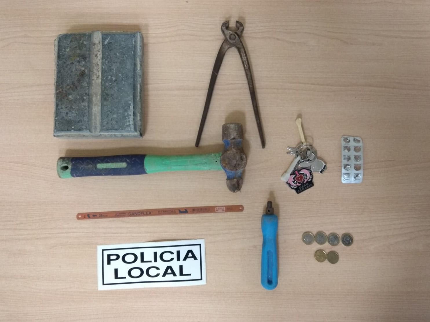 Photo of La Policía Local de Adra detiene a un vecino por presunto delito de daños y tentativa de robo