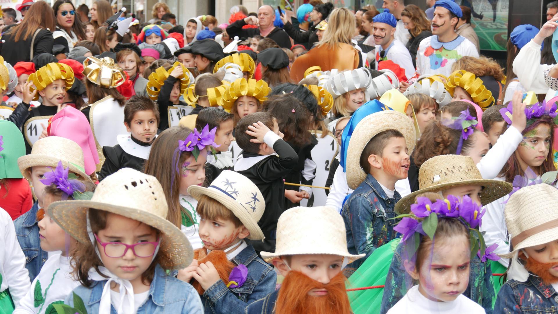 Photo of Más de 2.000 niños y niñas desfilan en el VIII Pasacalles Infantil del Carnaval de Adra 2020