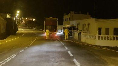 Photo of Segunda fumigación masiva de las calles de Adra entre Ayuntamiento y de agricultores voluntarios