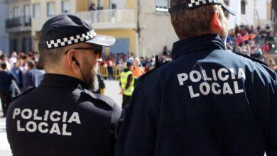 Photo of Agentes de la Policía Local de Adra detienen a un hombre buscado por la justicia