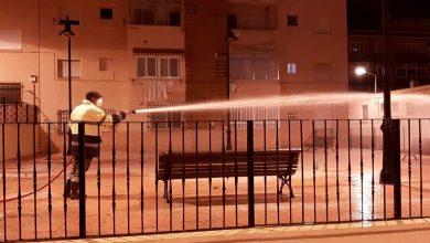 Photo of Continúan las labores de baldeo y desinfección en las calles de la ciudad de Adra