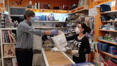 Photo of Comienza el reparto de los kits de protección entre los comercios locales de Adra
