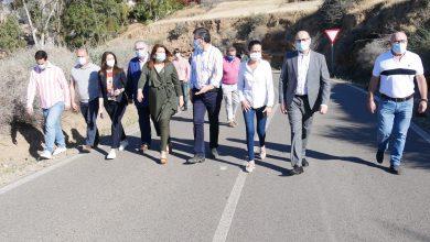 Photo of Manuel Cortés y Carmen Crespo visitan el camino de La Parra cuyas obras se iniciarán próximamente