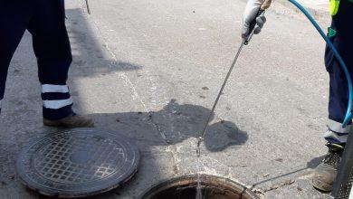 Photo of Avanza el plan de desinsectación y desinfección de la red de alcantarillado de Adra