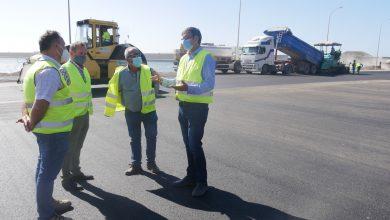 Photo of El muelle pesquero de Adra mejora su acceso con las obras de asfaltado