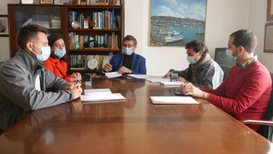 Photo of Firmado el contrato para el mantenimiento de jardines y la poda de árboles y palmeras
