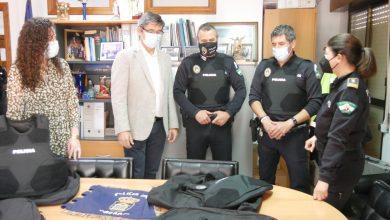 Photo of Adra aumenta la seguridad de Policía Local con chalecos antibalas