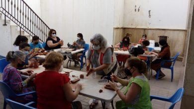 Photo of Adra disfruta ya del 'Taller de cerámica', una de las novedades de la programación cultural de este verano