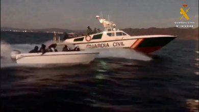Photo of La Guardia Civil detiene al patrón de una patera con 15 personas a bordo