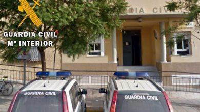 Photo of La Guardia Civil auxilia y desaloja a unas 50 personas por el incendio de un edificio en Vícar