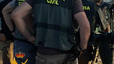 Photo of La Guardia Civil detiene en Pulpí a los dos autores de un robo con violencia que contaban con órdenes de búsqueda de varios juzgados